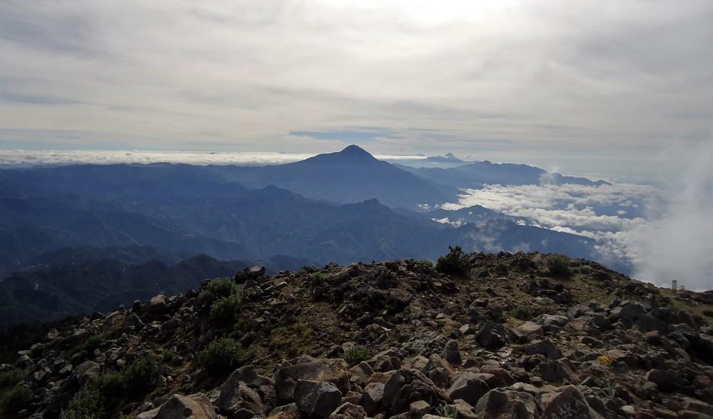 Du haut du Tacana, à plus de 4000 m, toute la chaine des volcans actifs du Guatemala (DR)