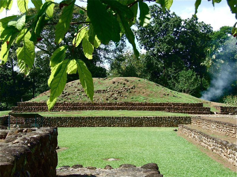Site archéologique d'Izapa dans la banlieue de Tapachula, le seul site mexicain au milieu des cacaoyers (Photo Valentine Tibère)