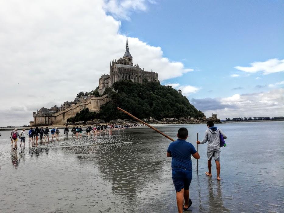 Mont-Saint-Michel, nos pastoureaux du XXIe siècle (Photo FC)