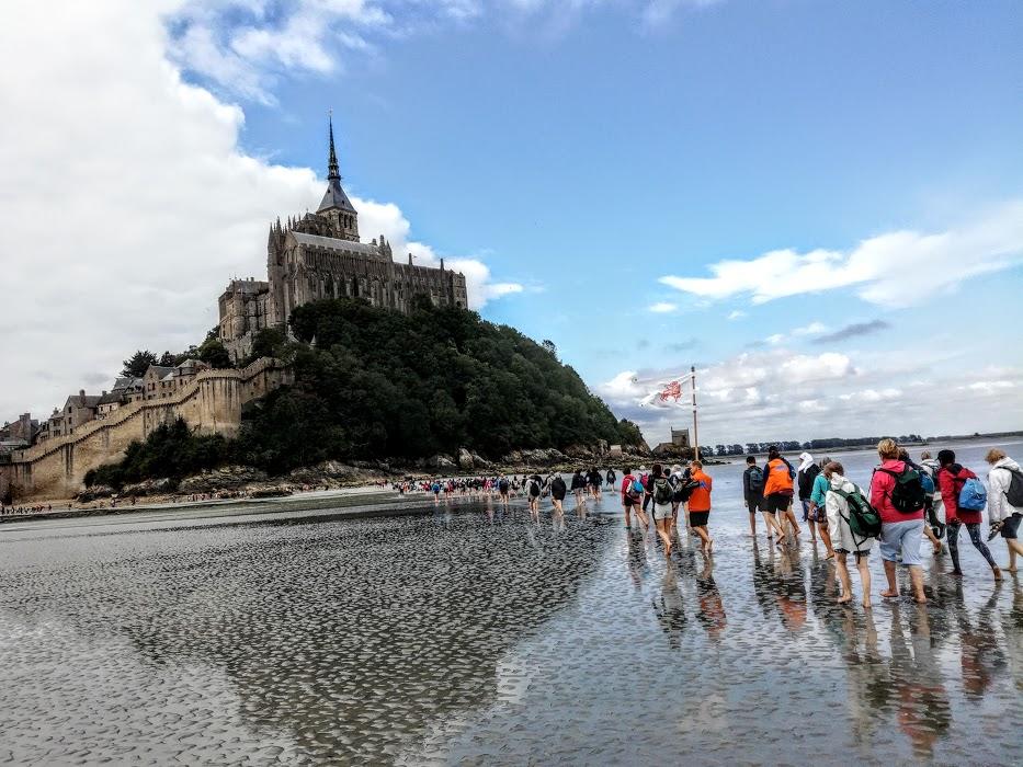 Mont-Saint-Michel. La voici la Merveille façonnée dans le granite de l'île de Chausey (Photo FC)