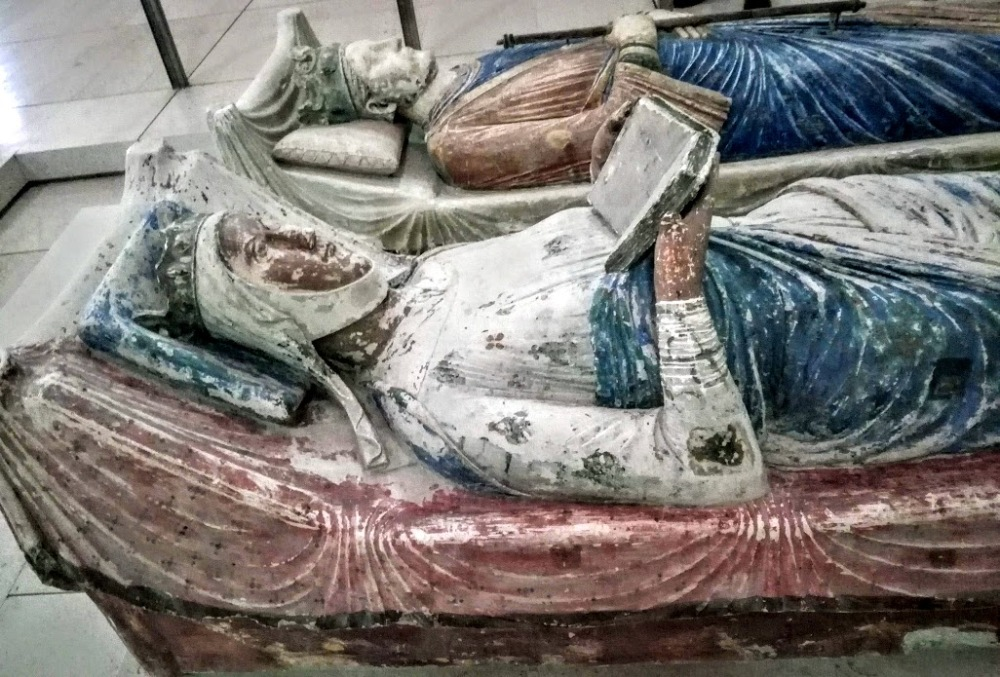 Effigies of Eleanor of Aquitaine and Henry II at Fontevraud (Photo FC)