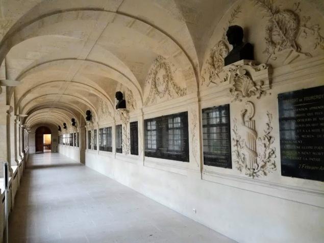 Val de Grâce le cloitre de l'abbaye (Photo FC)