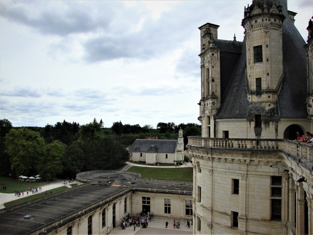 "Chambord has its own parish church, l'église Saint-Louis. Chambord depended, before the 17th century, on the parish of Huisseau sur Cosson. We know that Francis I heard Mass in 1529 in the parish church of Huisseau (""Uxeau"") which depended on the castle. In 1666, Louis XIV put an end to this situation at the same time that he made complete the castle and erects the village of Chambord in parish. A modest church was built and enlarged in 1684 (Photo FC)."