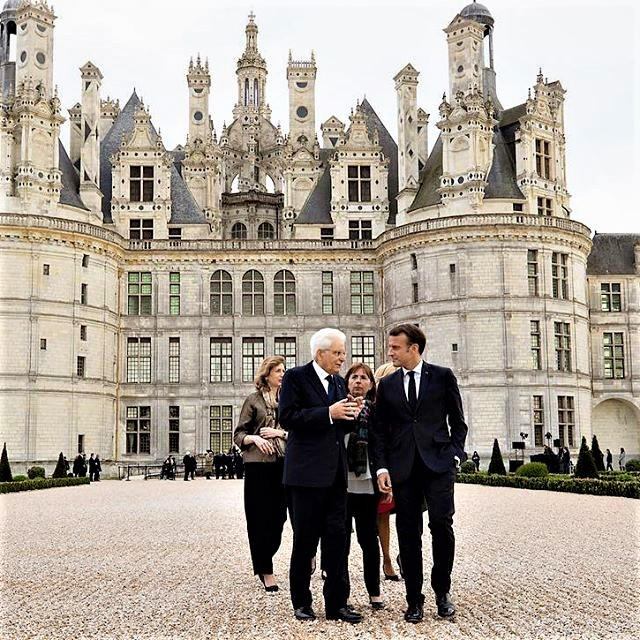 The French President Emmanuel macron and his Italian counterpart, Sergio Mattarella gathered at the eponymous Château to celebrate the 500th anniversary of Leonardo da Vinci's death (May 2, 1519) and the laying of the castle's first stone (May 2019). Two magnums of wine (a white 100% Romorantin and a red blend of Gamay and Pinot Noir), from the first organic cuvée of Chambord wine, were donated to the two presidents.