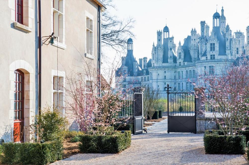 Boasting a garden, Relais de Chambord is a hotel situated in Chambord, a 4-minute walk from Château de Chambord. This 4-star hotel was designed by Jean-Michel Wilmotte