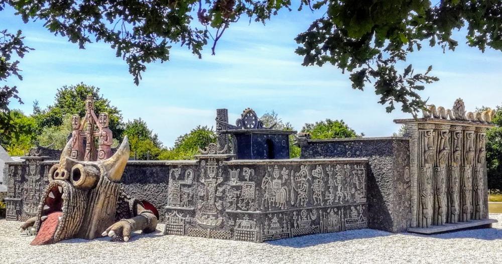 Mayenne Robert Tatin ensemble avec dragon (Photo FC)