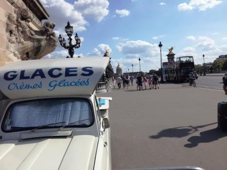 Paris summer times glace pont Alexandre 3 (Photo FC)
