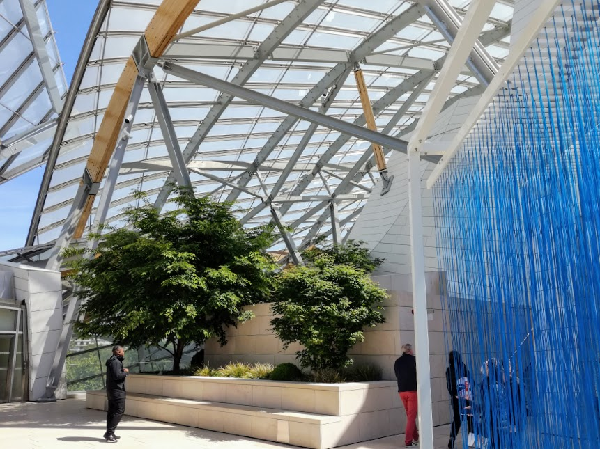 Paris summer times rideau bleu fondation Louis Vuitton (Photo FC)