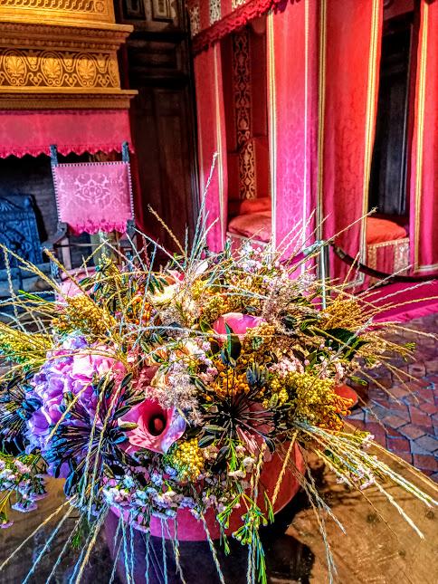 Cette pièce au premier étage et proche de celle de sa mère, rappelle le souvenir de César, duc de Vendôme, fils du Roi Henri IV et de Gabrielle d'Estrées, oncle de Louis XIV. Il devint propriétaire de Chenonceau en 1624. La cheminée Renaissance fut dorée et peinte au XIXe siècle aux armes de Thomas Bohier (Photo FC)