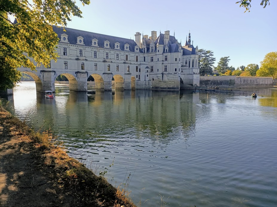 Château de Chenonceau rive gauche du Cher, lumière d'une fin de journée d'été (Photo FC)